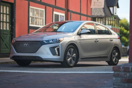 Photo 2018 Hyundai Ioniq Plug-In Hybrid